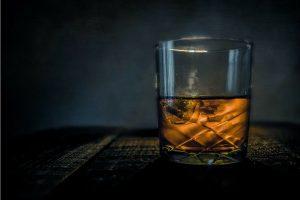 copa de whisky escoces