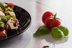 confitura salada tomate albahaca