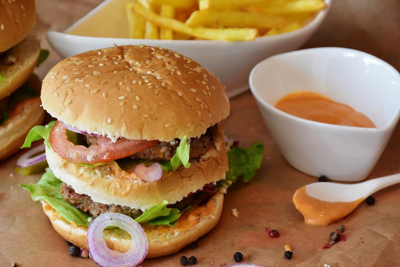 hamburguesa salsa cebolla