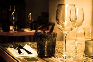 glosario del vino para principiantes restaurante con copas de vino distribucion mayorista canarias